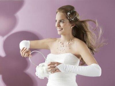 Zeitlose und elegante Handtaschen für die Braut 2012