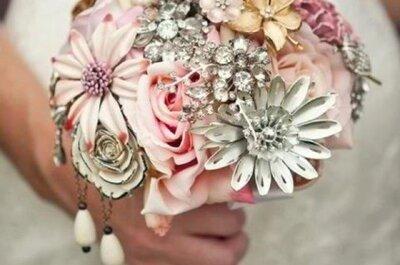 Broschen-Bouquet als Alternative zum Brautstrauß