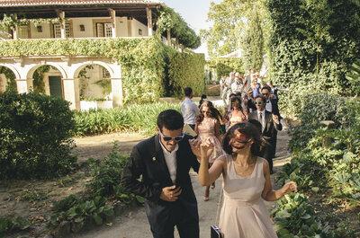 Como sobreviver a um casamento ao ar livre no verão: o kit SOS perfeito para os convidados