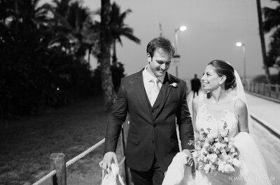 Mar, flores e fogos de artifício: casamento inesquecível de Caroline e Thiago