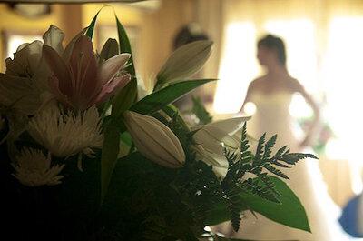 Inspiración para novias: Un inolvidable reportaje de boda en un hotel junto al mar