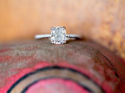 Los 7 momentos obligados en los que debes quitarte tu anillo de compromiso