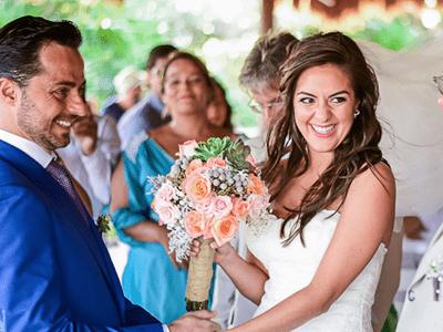 Real Wedding: María + Thiago - A Beautiful Beachfront Ceremony in Mexico