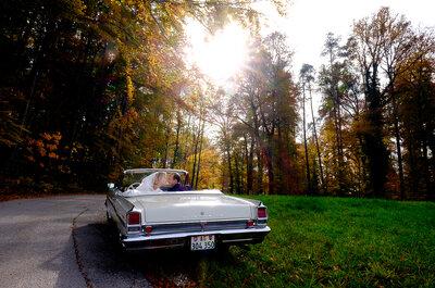 Wie organisiere ich den Hochzeitstransport? Luxuriöse Limousinen mit Chauffeur als Highlight