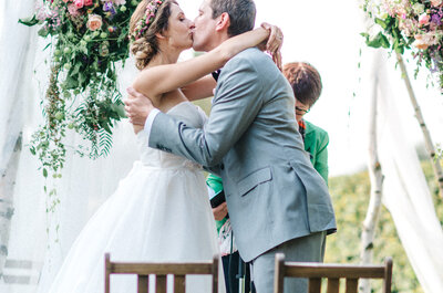 Wie findet man das passende Motto für die Hochzeit? Diese Expertentipps helfen weiter.