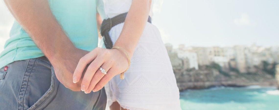 Come scegliere l'anello di fidanzamento con diamanti? Segui la regola delle 4C