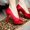 Sapato vermelho para uma noiva moderna. Foto: Paulo Herédia