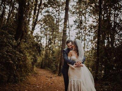 Toques rústicos e invernales en Valle de Bravo: La boda de Mich y Pablo
