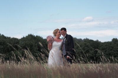 Nicole & Christian: Sommerliche Landhochzeit mit einem Hauch träumerischer Eleganz