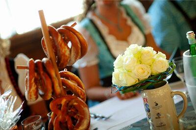 Heiraten auf bayrisch - Zünftig Hochzeit feiern mit Brezen, Bier und Dirndl