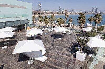 Bodas reales: Casarse en verano con vistas a la playa de Barcelona