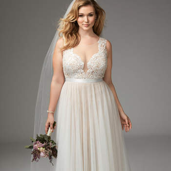 Plus-Size Wedding Dresses for 2017: The Best Trends for your Big Day!