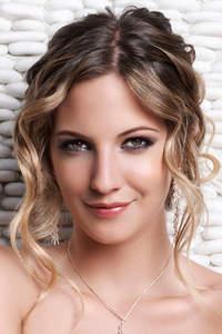 peinados y maquillaje para novias de dia
