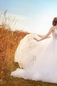 100 Brautkleider von renommierten Designern