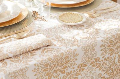 Hochzeitsfarbe Gold in Sachen Dekoration, Einrichtung & Brautlook – Glamour pur!