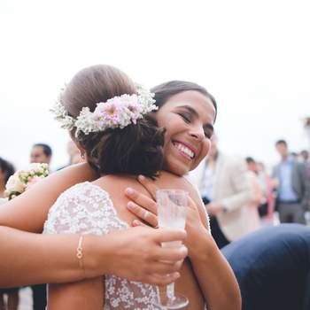 Os 50 abraços que protagonizarão o seu casamento