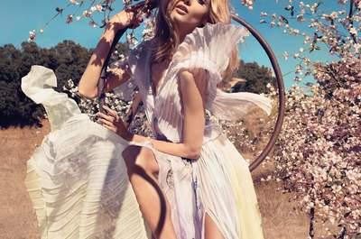 Vestidos de novia tie dye, descubre más de la tendencia que derrocha color