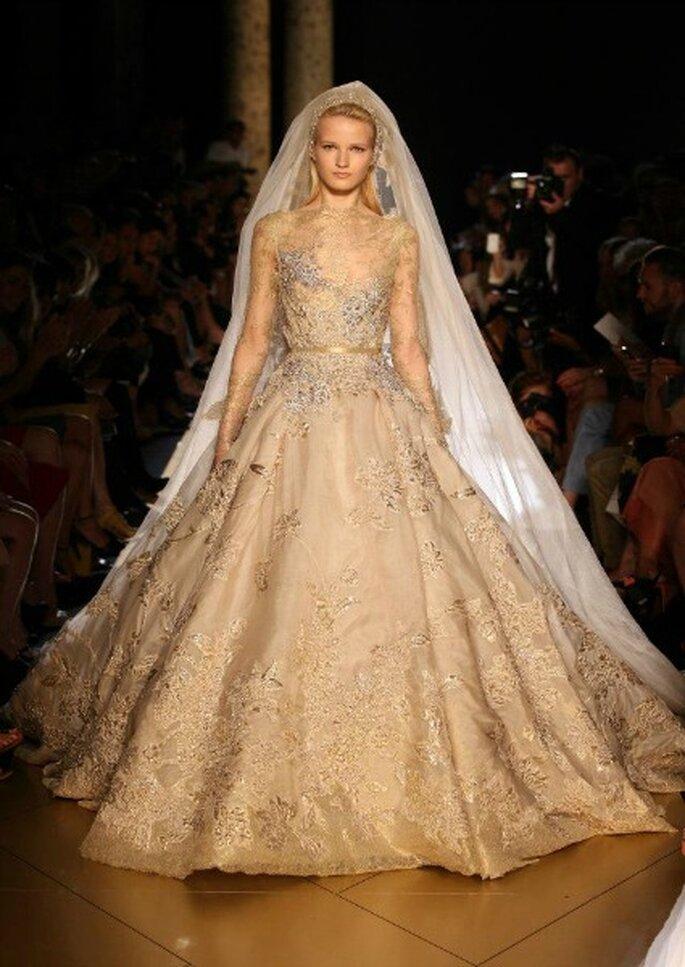 Robe de mariée Elie Saab 2013, de couleur champagne