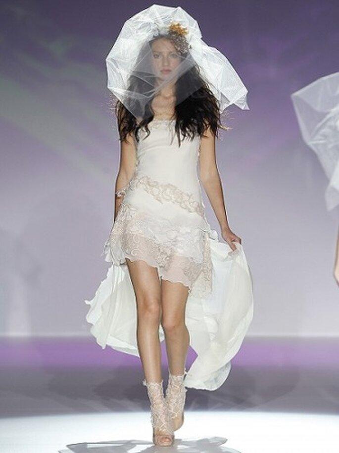 Vestido de novia de Raimon Bundo. Foto Ugo Camera.