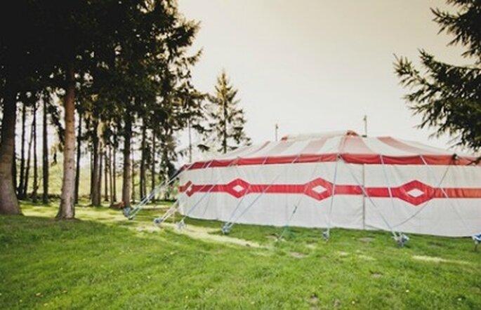 Chapiteau de cirque pour un mariage - Credits Davidone