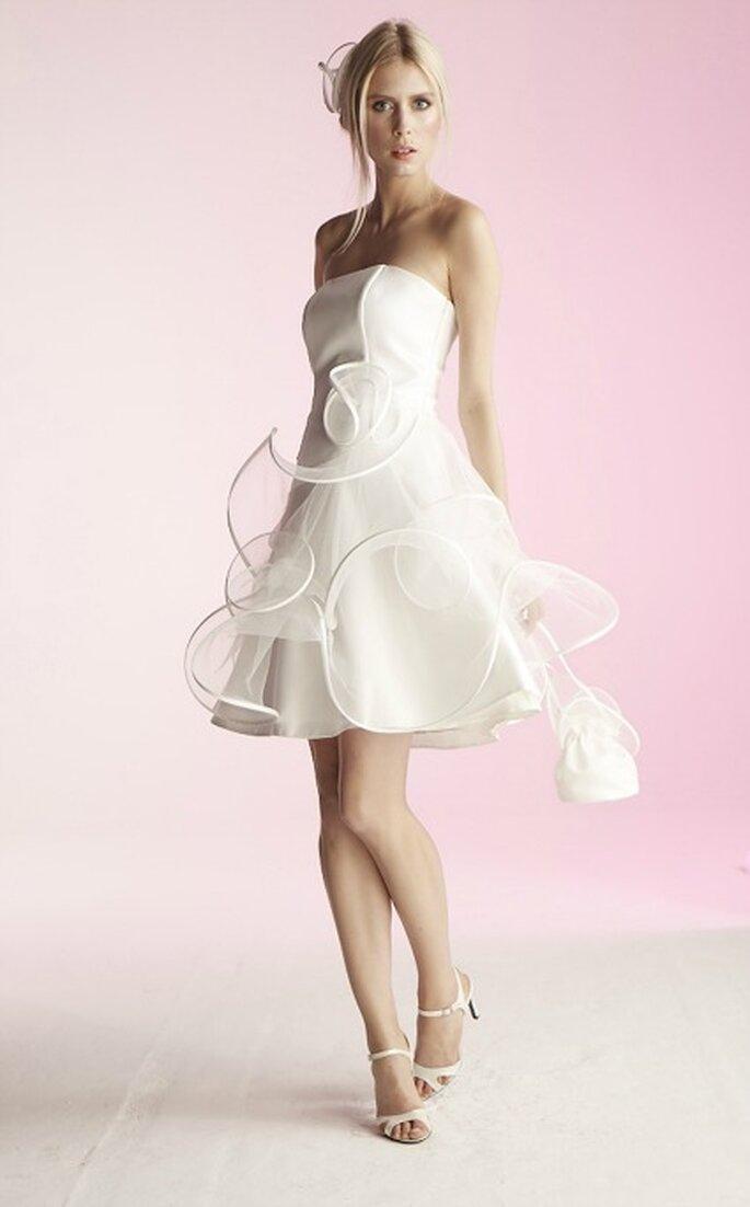 Robe de mariée courte Suzanne Ermann, modèle Coraline - Photo : Suzanne Ermann