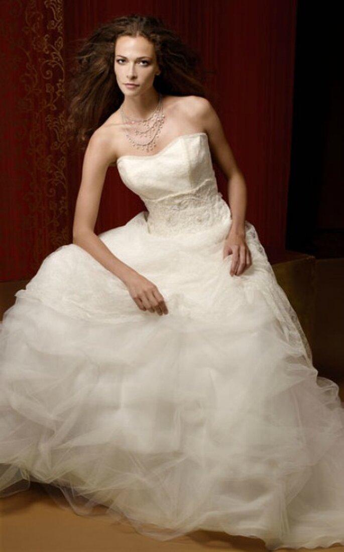Vestido de novia en aascada de tul de Fabio Gritti Spose