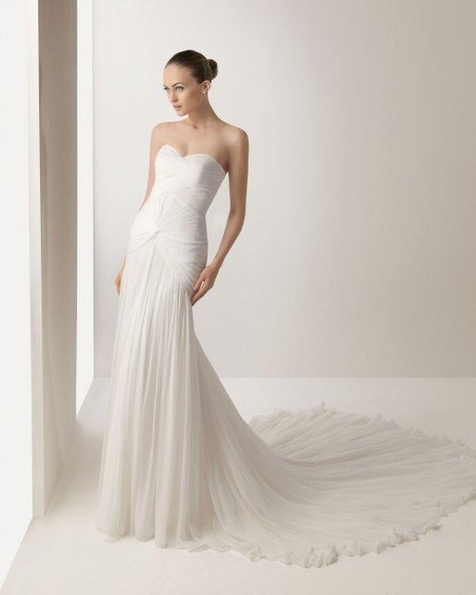 Cuida la cauda de tu vestido de novia. Rosa Clará 2013