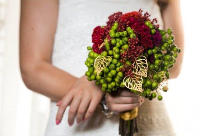 zielono czerwony bukiet ślubny