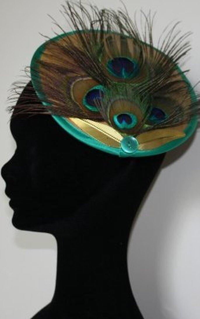 Pipía - Tocado con plumas de pavo real