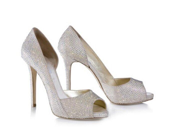 Completamente rivestite di cristalli swarovsky queste scarpe tacco 12 di Le Silla. Foto www.100matrimoni.it