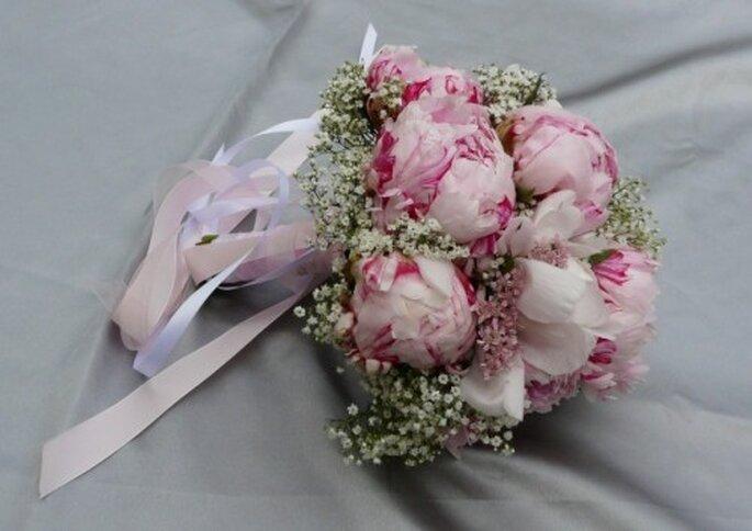 Un joli bouquet de mariée de printemps... - Crédit photo : Atelier déco'ps
