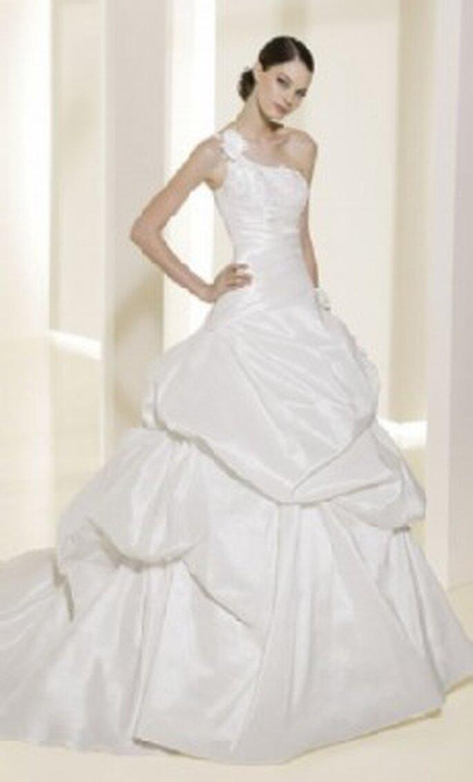 Colección de vestidos de novia de corte princesa Atelier Diagonal ...