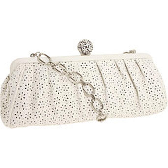 El bolso es un útil complemento de novia.