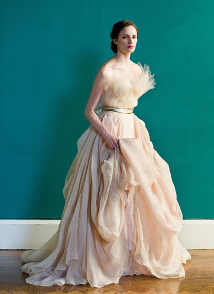 Vestidos de novia frescos. Foto de Carol Hannah.