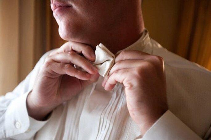 Auch der Bräutigam kann für einen modischen Auftritt sorgen – Foto: Emin Kuliyev