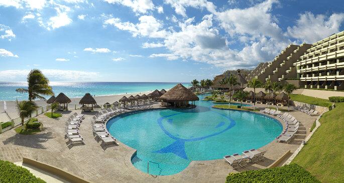 Main Pool - Hotel Paradisus Cancún
