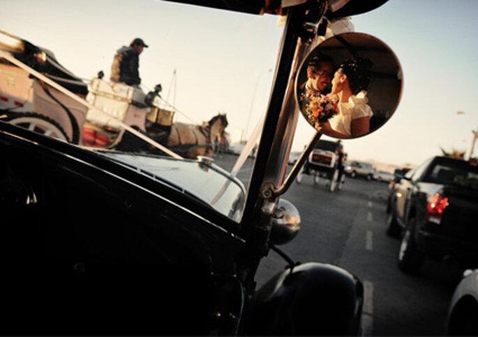 Las fotos de Andrés Medina se alejan de los retratos tradicionales y posados de las parejas.- http://www.andresmedina.cl/