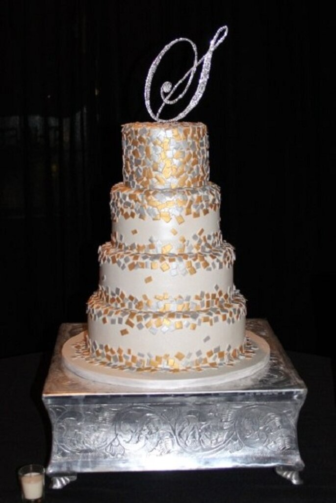 Pastel de bodas de Confeti Foto de CakeGirls.