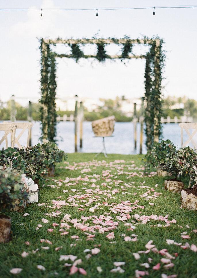 8 maneras creativas de decorar el pasillo de la ceremonia de boda. Foto- Ozzy Garcia