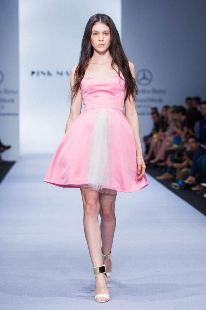 Vestidos de fiesta 2015 inspirados en la artesanía y colores de Chiapas - Foto Pink Magnolia en MBFWMX