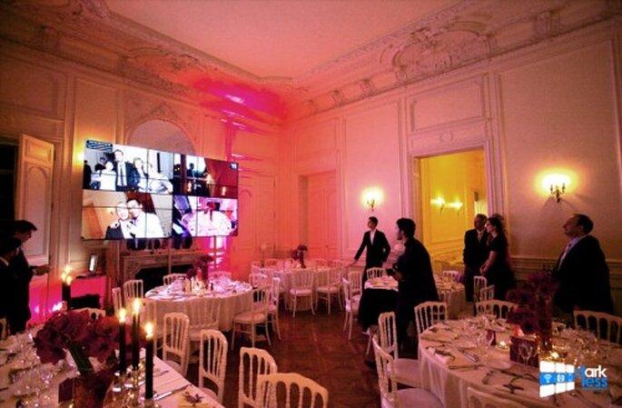En direct sur un écran géant, les photos et témoignages des invités de votre mariage !