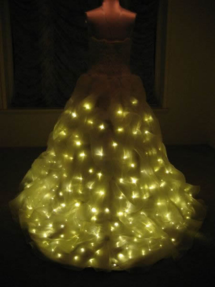 Scintillez de milles-feux avec la robe à lumière!