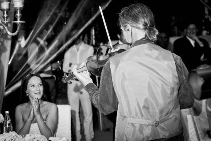 Animation musicale pendant le dîner de mariage ? - Photo Céline Scaringi - Mariage Carnets de Mariage
