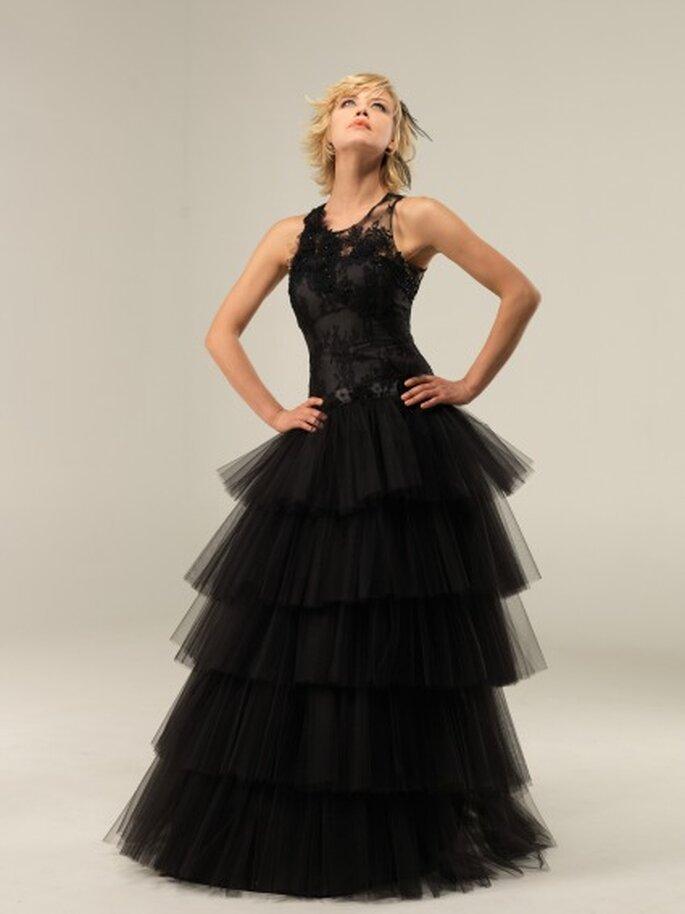 Robe de mariée Lambert Créations 2013, modèle Triskell noire - Photo : Lambert Créations
