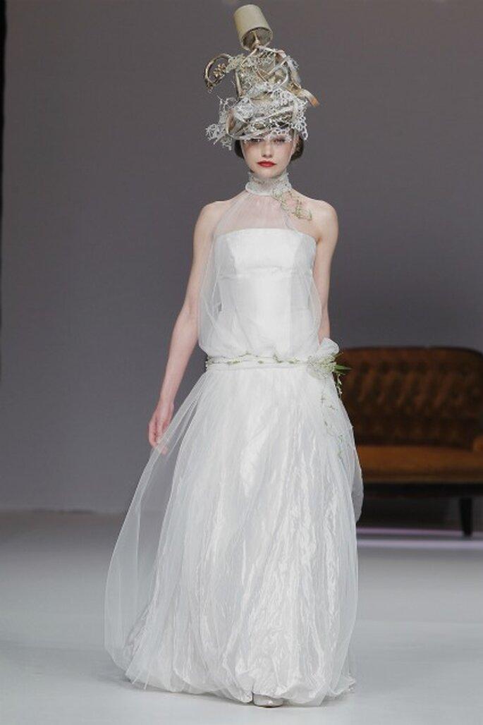 Los vestidos de novia Inmaculada García 2012 son para novias románticas que buscan algo diferente - Barcelona Bridal Week / Ugo Camera