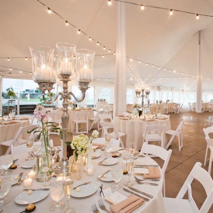 Una recepción de boda en colores neutros - Julie Melton