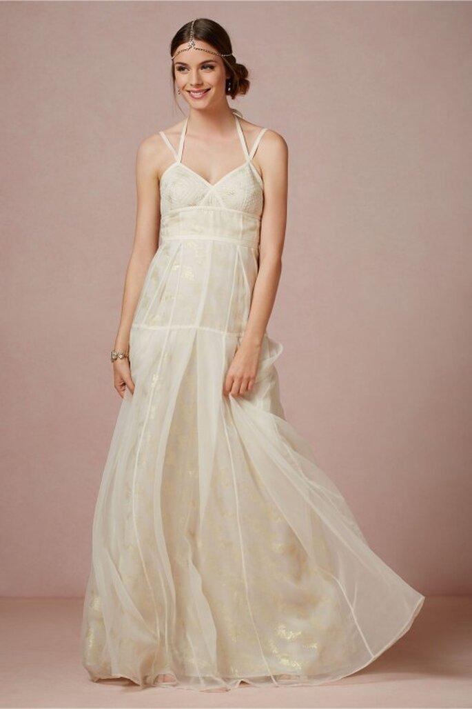 Vestido de novia 2014 estilo hippie con tirantes cruzados y caída elegante en la falda - Foto BHLDN