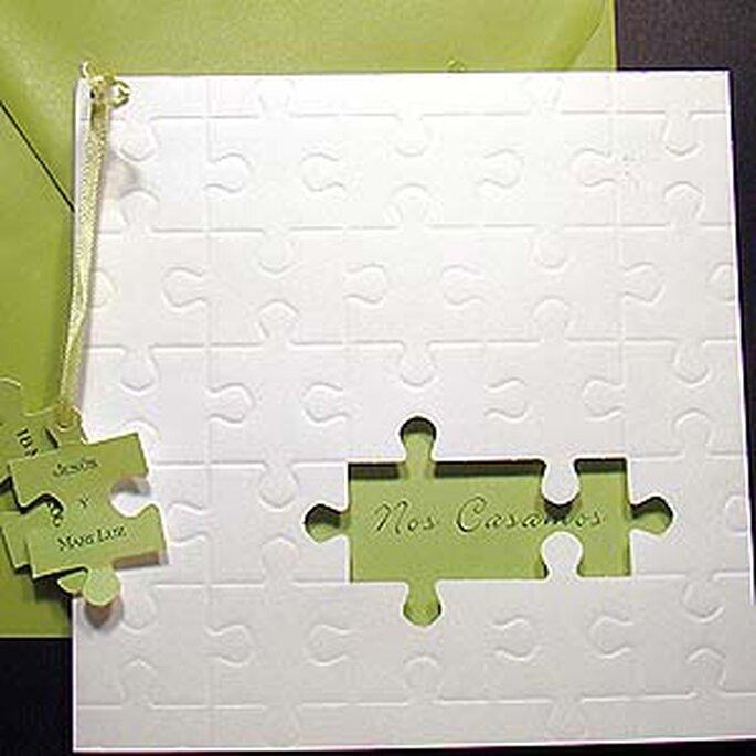 Invitaciones de boda a modo de divertido puzzle.