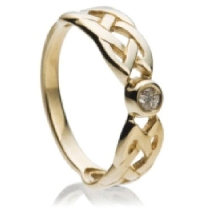 Diamantring mit keltischem Knoten