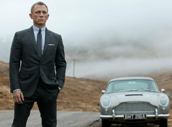 Ecco il look da James Bond per il ricevimento di nozze.